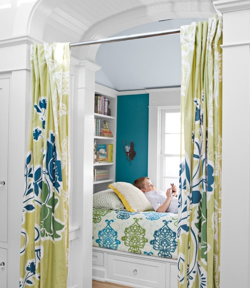 book-nook-with-curtain