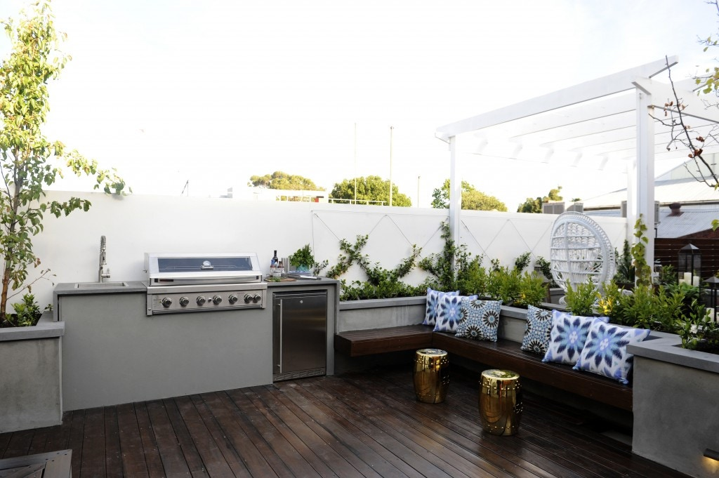 outdoor kitchen renovator store